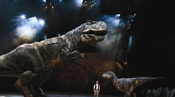 <p>ティラノサウルス Photo : Joan Marcus (c)CPC 2008</p>