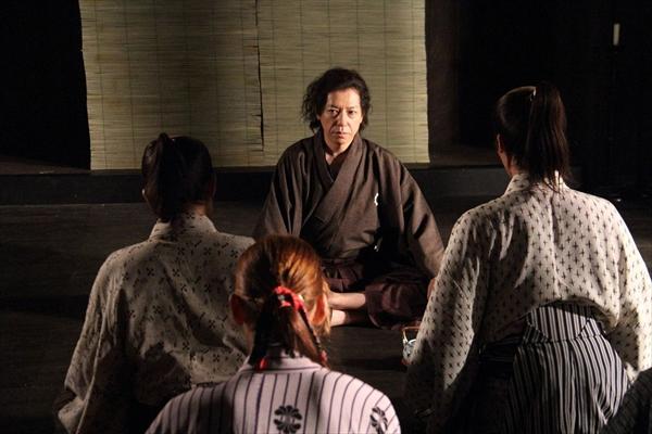 <p>ドラマパート「新撰組~誠ノ書」最終回に、坂本龍馬役で出演する板尾創路</p>