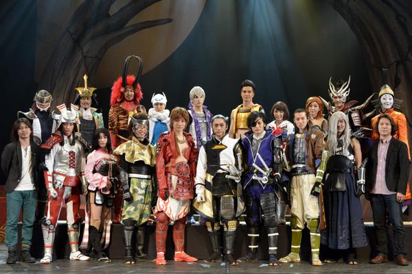 写真で振り返る!通算100公演を迎えた舞台「戦国BASARA3 宴」ゲネプロ