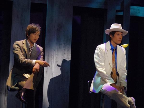 <p>11日(木)に行われた林剛史主演「説得すル」のゲネプロ。左から辻本祐樹、林剛史。林は伝説のネゴシエーター(交渉人)役</p>