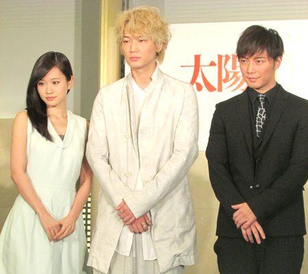 前田敦子、蜷川幸雄監督に「違う世界へ連れて行ってほしい」
