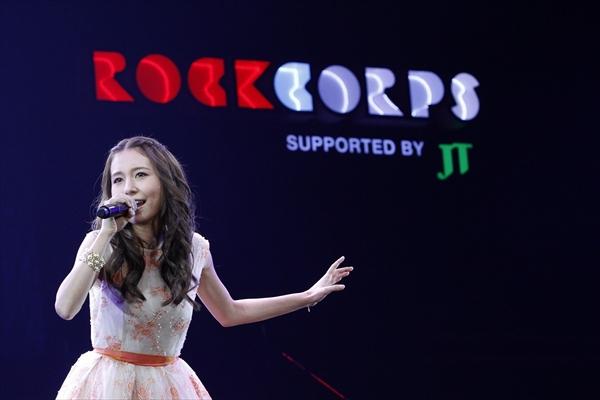 「RockCorps」ライブイベントでMay J.、flumpool、コブクロ、NE-YOが夢の共演