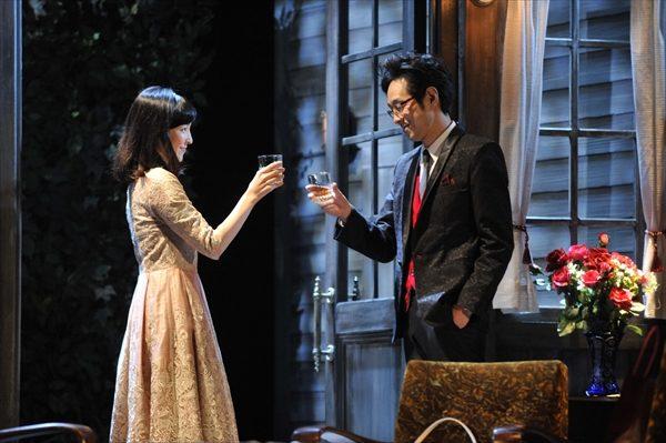クドカン&麻生久美子が夫婦役!舞台「結びの庭」が開幕