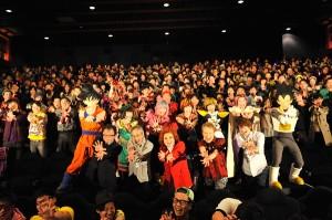 野沢雅子らが満員の観客と「かめはめ波~」劇場版『ドラゴンボールZ 復活の「F」』全世界での上映決定