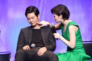 韓国ドラマ「のだめカンタービレ~ネイル カンタービレ」ドラマイベントに登場したチュウォン(左)とシム・ウンギョン