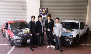 『新劇場版「頭文字D」Legend2-闘走-』舞台挨拶に登場した宮野真守(右から2人目)ら
