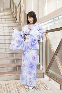 DVD&Blu-ray『ゆいはんの夏休み~京都いろどり日記~』の発売記念イベントに登場した横山由依