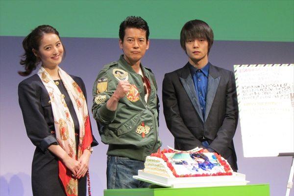 唐沢寿明&窪田正孝&佐々木希が80年代ファッションを披露
