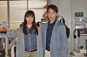 『連続ドラマW 死の臓器』の撮影に臨む小泉孝太郎と小西真奈美