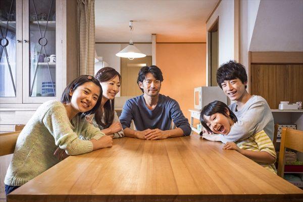 """映画「at Home~」に""""家族のプロ""""たちから賞賛の嵐"""
