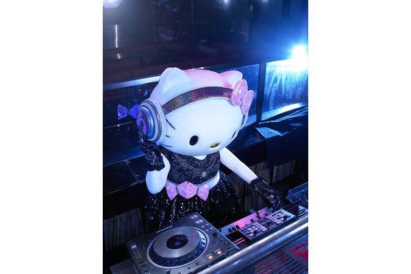DJ HELLO KITTY、ポムポムプリンらがDJプレイ!「ピューロランド」でキッズフェス開催
