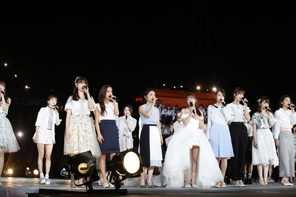 <p>『高橋みなみ卒業コンサート』「桜の木になろう」(C)AKS</p>