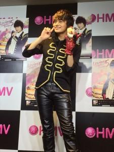 小林豊がニューシングル「恋するスイーツレシピ5」リリースイベントを開催