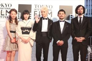 映画『知らない、ふたり』主演のNU'ESTレン、青柳文子、東京国際映画祭にて舞台挨拶