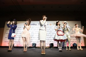 指原莉乃らAKB48メンバーがサマンサ社員500名と「ハロウィン・ナイト」を披露
