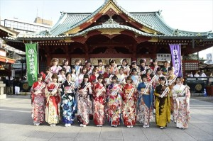 """入山杏奈「二十歳は""""いい女""""になりたい」AKB48グループ32名が成人式"""