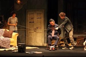 柳下大「一から芝居を見つめ直すことができた」主演舞台「オーファンズ」開幕