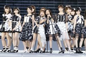 高橋みなみ「AKB48の未来を託します」『卒業コンサート』で全31曲熱唱!