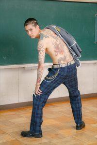 大野拓朗が全身刺青&強烈そり込み「朝ドラのイメージを180度ひっくり返す」 (C)安童夕馬・朝基まさし/講談社