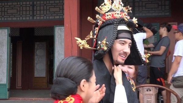 チャンミン(東方神起)結婚式舞台裏ほか「夜を歩く士」ラブ編メイキング映像が公開!