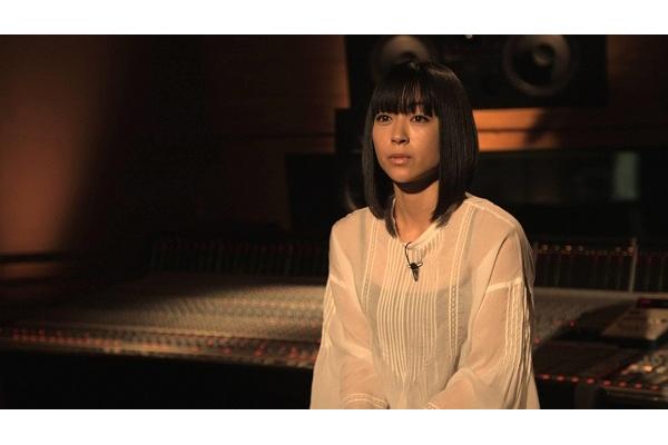 宇多田ヒカル、最新アルバムの制作裏側をテレビで公開