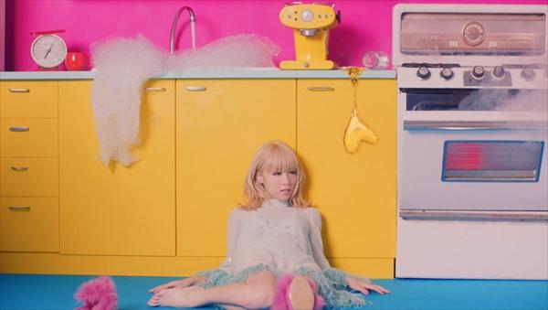 <p>Dream Ami「Lovefool -好きだって言って-」</p>