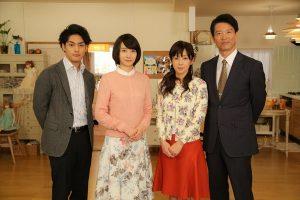 (左から)柳楽優弥、波瑠、斉藤由貴、寺脇康文 ©NHK