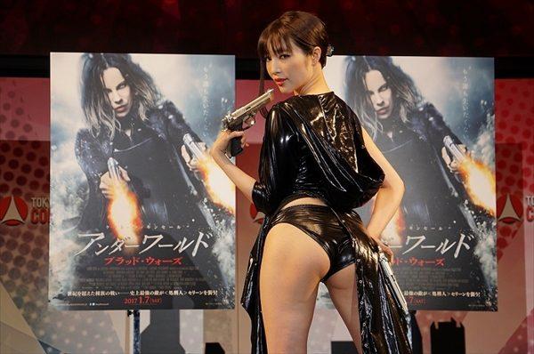 森下悠里「露出は主人公のセリーンに勝ってると思います!」ヒロイン超えのセクシーコスプレで映画「アンダーワールド」PR