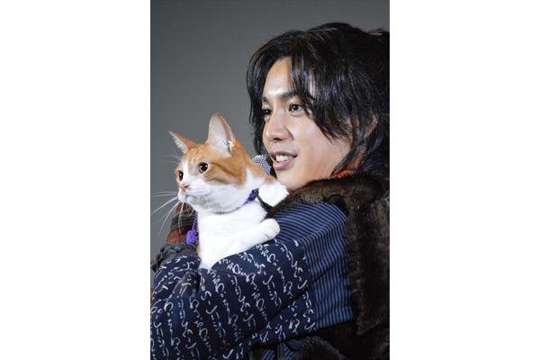 大野拓朗、8.5キロ主役猫・金時にデレデレ「金ちゃんの重みがすごくいとおしい」