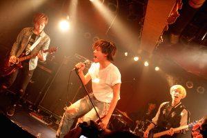 映画『太陽を掴め』吉村界人が劇中バンドとしてライブ