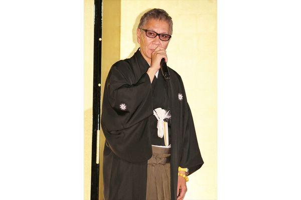 生田斗真が鏡開きでほろ酔い「伝説はまだまだ終わらないぜ!」
