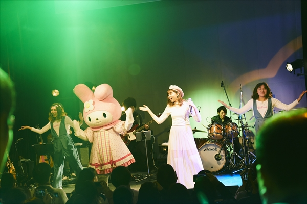 メロディー・チューバックがお披露目ライブ開催!マイメロディとの共演も