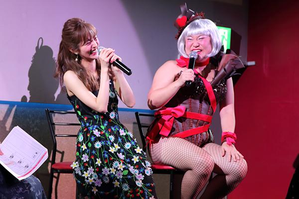 「キスの音拾いすぎ!」バービー&堀田茜が女性300人と大盛り上がり