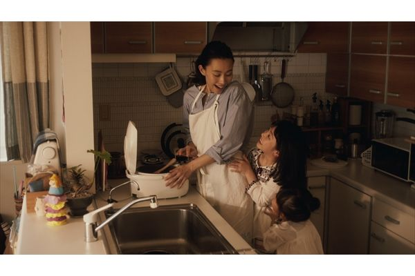 木村佳乃インタビュー、無理をしない育児法を明かす「マイルールは、完璧を求めないこと」