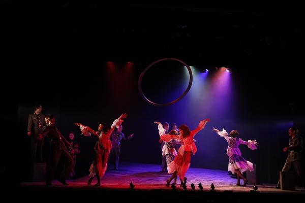 萩尾望都原作の舞台「エッグ・スタンド」公演中!戦時下を生きる少年たちの姿が訴えかけること