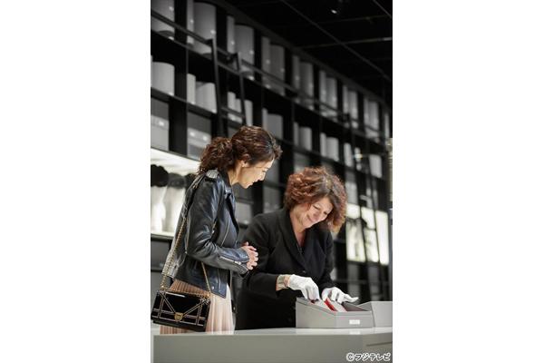 松嶋菜々子がパリでディオールの哲学に触れる「『女の勲章』直前SP」4・15放送