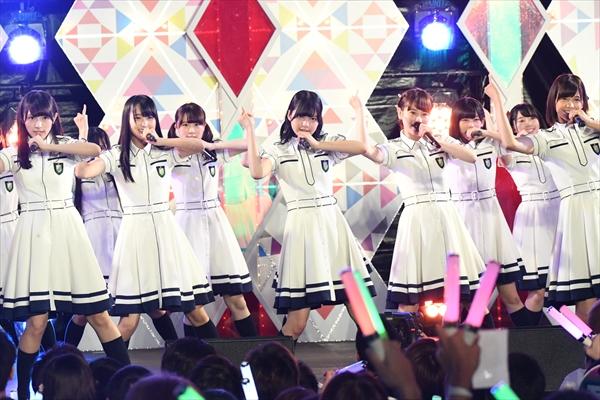 欅坂46 結成1周年前夜ライブをアンコール放送!新撮インタビューも
