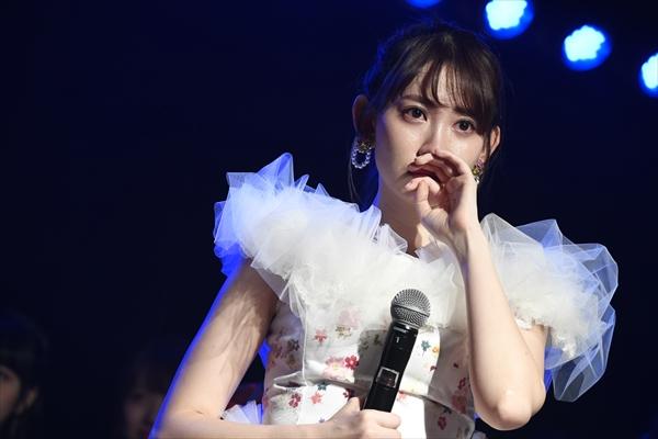 小嶋陽菜、秋元康の手紙に感涙も「…本物?」AKB48劇場で卒業公演開催