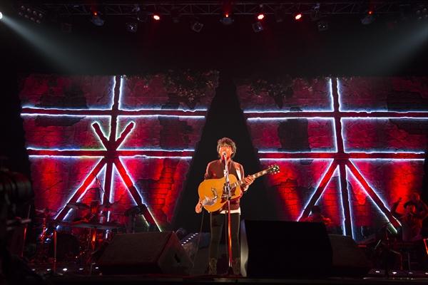 高橋優の全国ツアー「来し方行く末」自身初の横浜アリーナ公演 WOWOWで5・7独占放送
