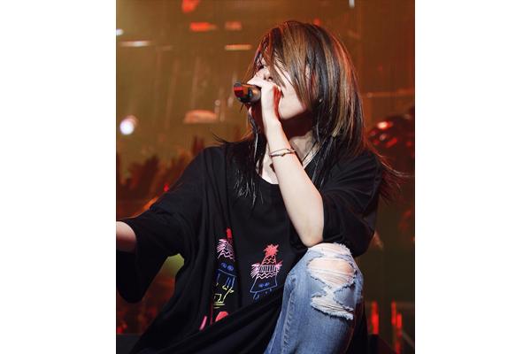 """aiko「""""末広がり""""なライブに」全国ツアー「Love Like Rock 8」スタート"""
