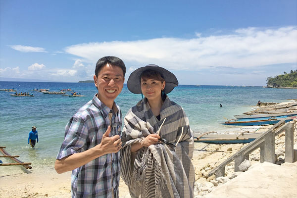 鈴木砂羽&福田充徳の意外な仲良しコンビがフィリピン・セブ島を満喫