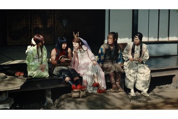 三太郎&織姫&かぐや姫の縁側トークにほっこり!au「三太郎」新CM 9・1スタート