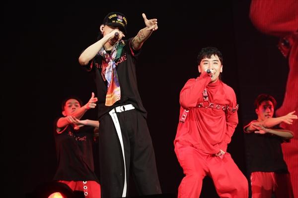 BIGBANG・G-DRAGONソロツアーファイナルにV.Iがサプライズ参戦