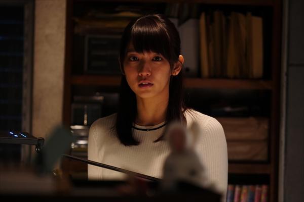 吉岡里帆が『世にも奇妙な物語』初主演!「トラウマを受け取って!」