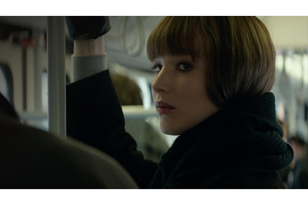 J・ローレンスが妖艶な女スパイに!『レッド・スパロー』来春公開決定&予告編解禁