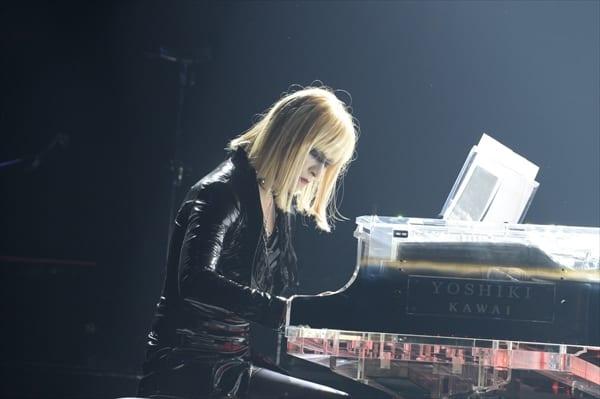 "X JAPAN・YOSHIKIがレプリカント""プリス""に!? VAMPS主催ハロウィンイベントで仮装"
