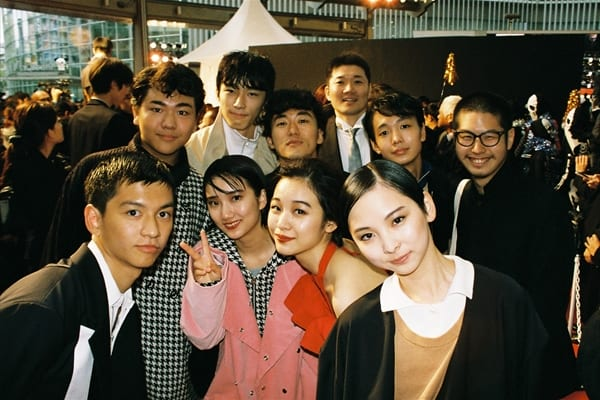 松居大悟監督の最新作「アイスと雨音」東京国際映画祭レッドカーペットに登場