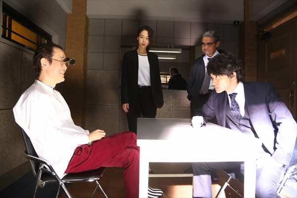 リリー・フランキーが詐欺師役で『刑事ゆがみ』第5話にゲスト出演
