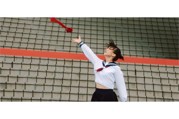 NGT48・荻野由佳センターの2ndシングル「世界はどこまで青空なのか?」MV 期間限定フルVer公開