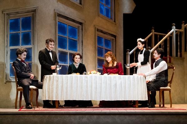 劇団ナイロン100℃ 3年ぶりの新作『ちょっと、まってください』開幕